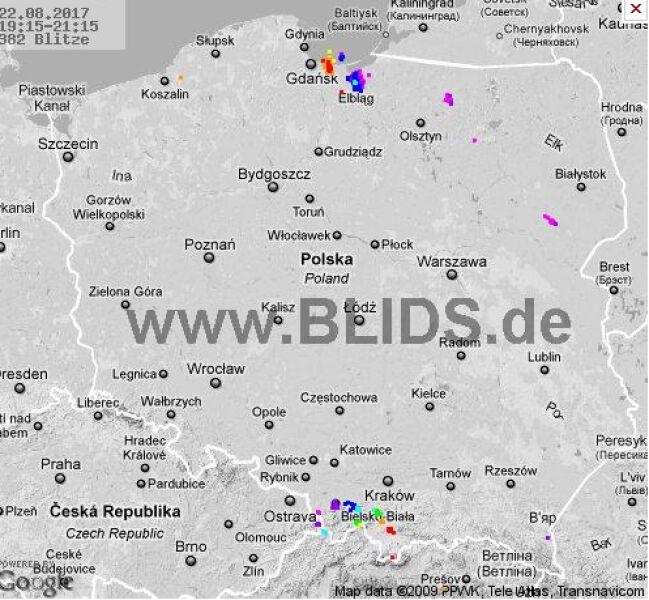Burze nad Polską o godzinie 21.30 (blids.de)