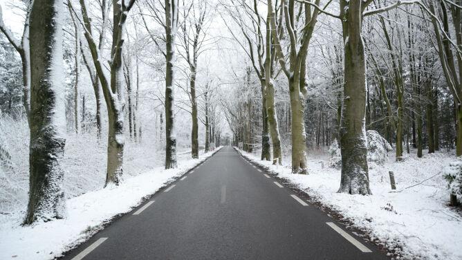 Deszcz i śnieg mogą utrudniać podróżowanie
