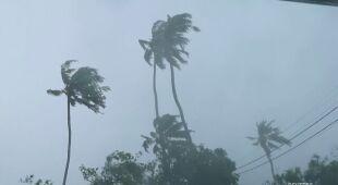 Silny wiatr i intensywne opady deszczu w Indiach